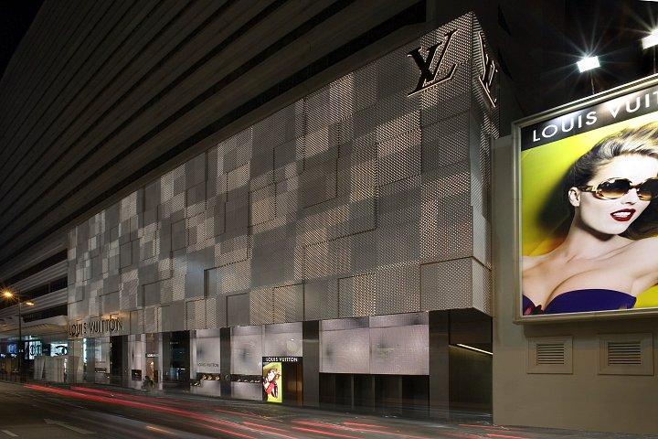 19-1-night-facade.jpg